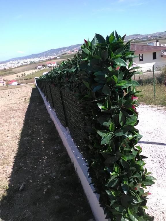 Siepe finta artificiale formato piastrella cm 50x50 con for Siepe artificiale per balconi